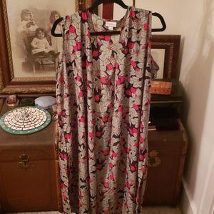 Lularoe Long Sleeveless Strawberry Vest Size Large